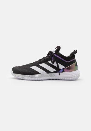 ADIZERO UBERSONIC 4 CLAY - Tennisschoenen voor kleibanen - core black/footwear white/silver metallic