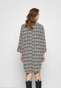 Monki - MOA RAGLAN - Shirt dress - multi-coloured - 2