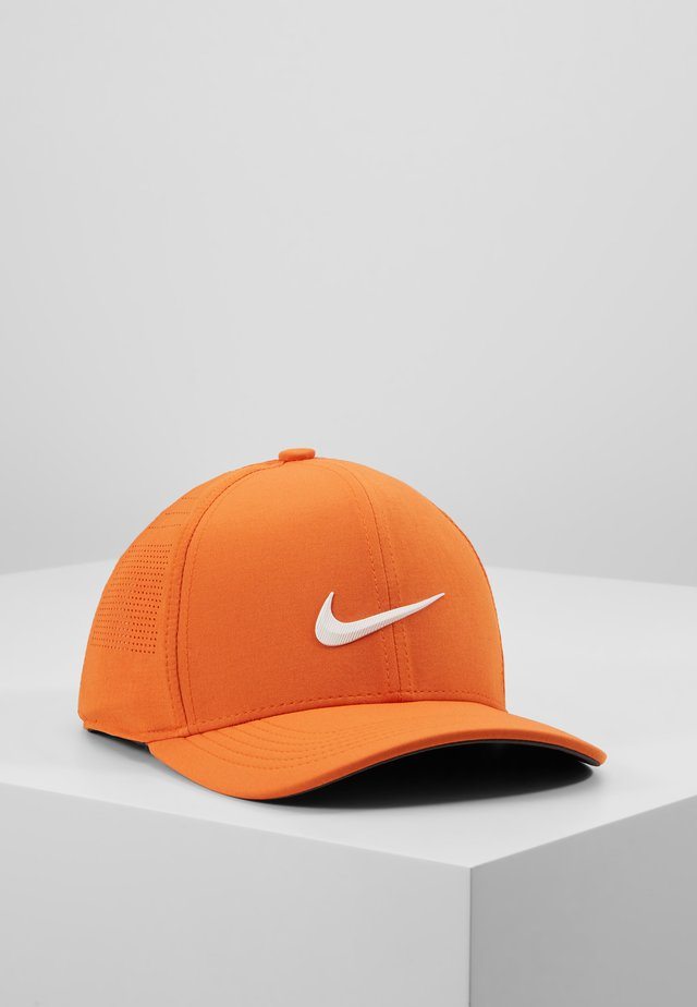 NIKE AEROBILL CLASSIC99 GOLFCAP - Pet - starfish/anthracite/white