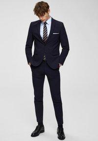 Selected Homme - SLHSLIMPEN - Camicia elegante - light blue - 1