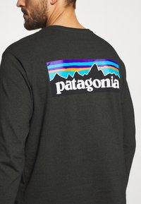 Patagonia - LOGO RESPONSIBILI TEE - Long sleeved top - kelp forest - 5