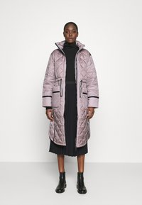 Hunter ORIGINAL - WOMENS REFINED LONG QUILTED COAT - Cappotto invernale - metallicred - 1
