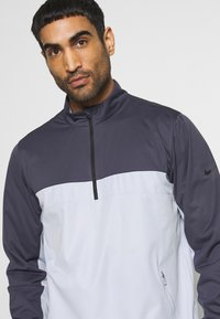 Nike Golf - SHIELD VICTORY HALF ZIP - Sportovní bunda - gridiron/sky grey/black - 4