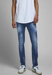 Jack & Jones - SLIM FIT JEANS GLENN FOX BL 925 - Jeans slim fit - blue denim - 0