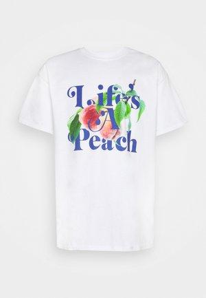 LIFE'S A PEACH SLOGAN GRAPHIC - T-shirt imprimé - white