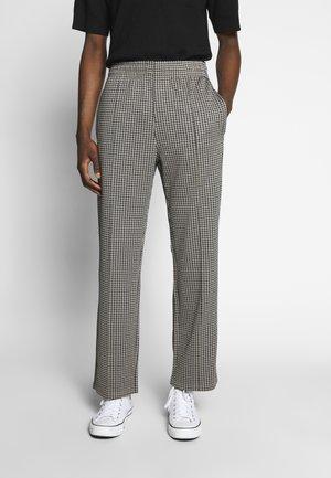 KEN TRACKPANTS - Kalhoty - brown