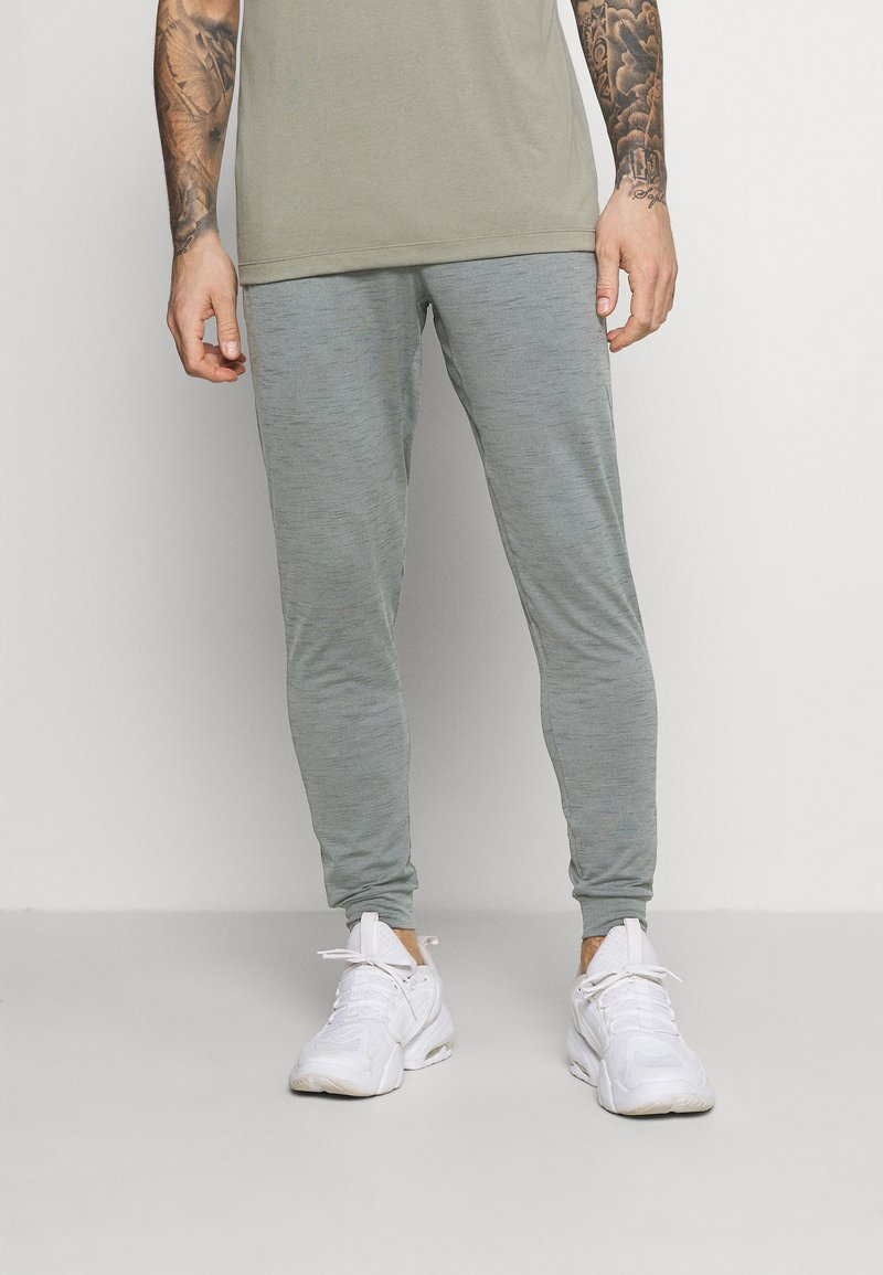 Nike Performance - PANT DRY YOGA - Pantalones deportivos - smoke grey/iron grey/black