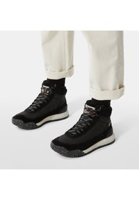 The North Face - W BACK-TO-BERKELEY III REGRIND WP - Mountain shoes - tnf black/vintage white - 0