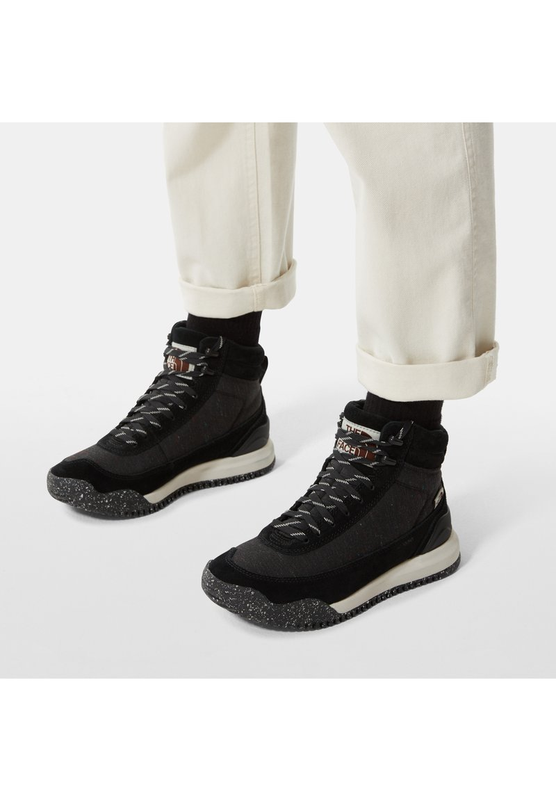 The North Face - W BACK-TO-BERKELEY III REGRIND WP - Mountain shoes - tnf black/vintage white