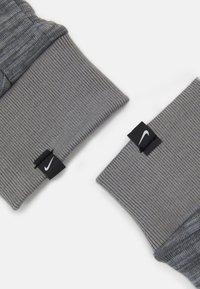 Nike Performance - NIKE MEN'S SPHERE RUNNING GLOVES - Hansker - iron grey heather/grey fog/silver - 2