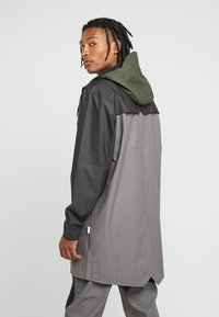 Rains - LIMITED EDITION COLOR BLOCK LONG - Regenjas - charcoal/black - 2