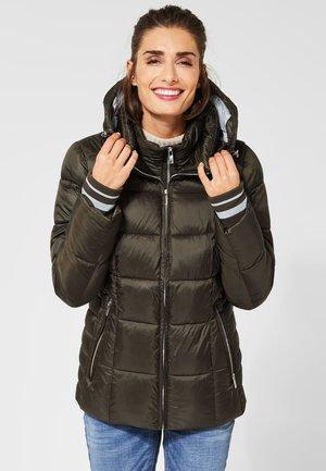 MIT STEPPUNGEN - Winter jacket - green
