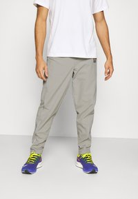 Ellesse - RIGARIO TRACK PANT - Trainingsbroek - light grey - 0