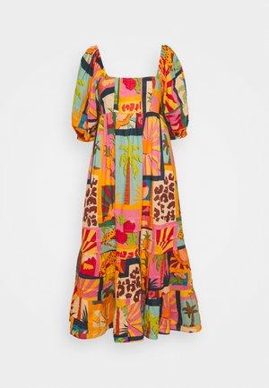 COLLAGE MIDI DRESS - Day dress - tropical