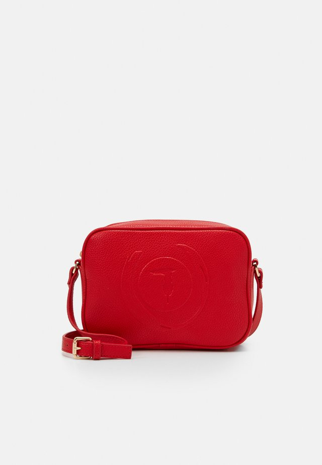 FAITH CAMERA CASE - Sac bandoulière - red