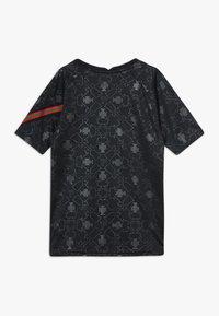 Nike Performance - PORTUGAL FPF Y NK DRY SS PM - Oblečení národního týmu - black/challenge red - 1