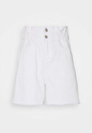 PAPERBAG RAW HEM - Shorts di jeans - white