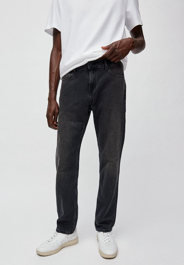 DYLAAN - Straight leg jeans - black