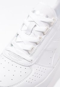 Diadora - B.ELITE - Sneaker low - white - 5
