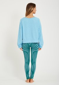 Yogasearcher - LONG SLEEVED  - Longsleeve - light blue - 2