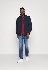 Tommy Jeans - ESSENTIAL HOODED JACKET - Kevyt takki - blue - 1