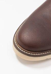 Clarks - GRANDIN PLAIN - Stringate sportive - brown - 5