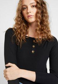 Ivyrevel - OFF SHOULDER - Long sleeved top - black - 3