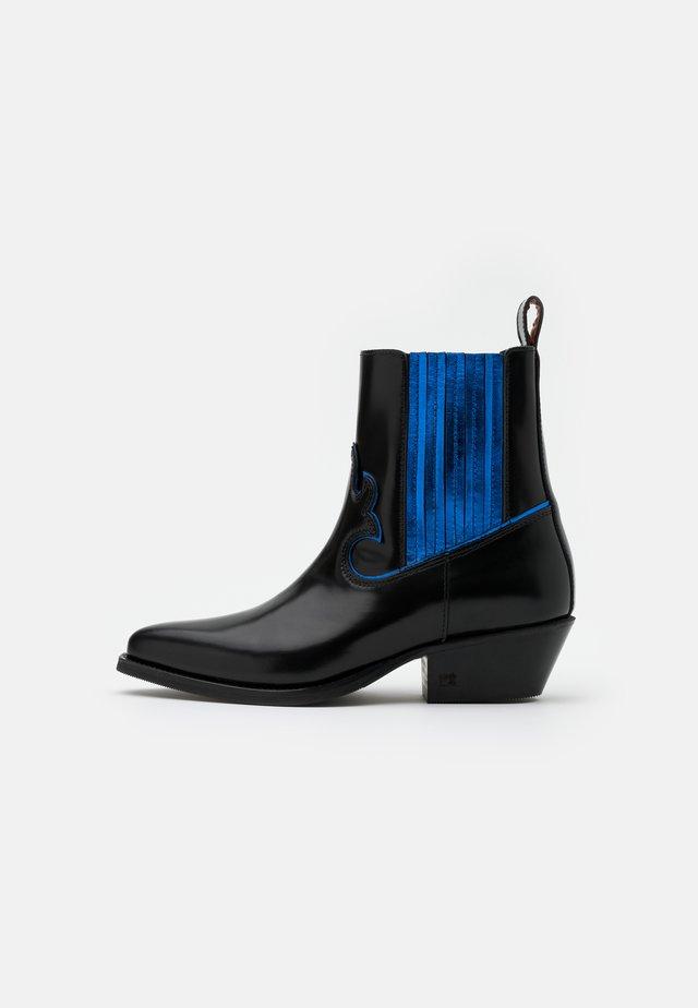 CORALL - Cowboy/biker ankle boot - black