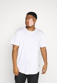Only & Sons - ONSMATT LONGY TEE 7 PACK  - Basic T-shirt - black/white /forest - 5