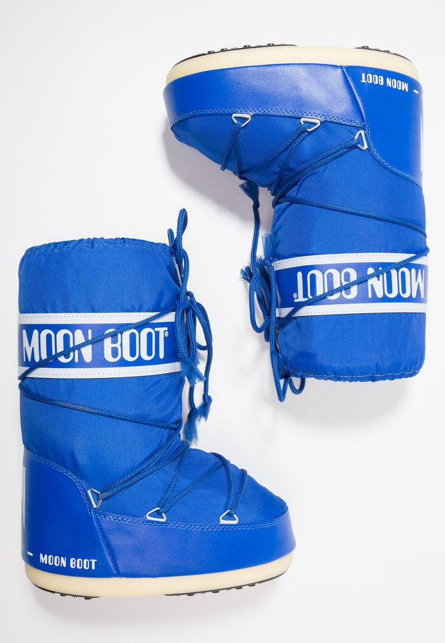 Winter boots - electric blue