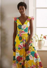 Boden - ANDREA - Maxi dress - narzissengelb  tropischer urlaub - 3