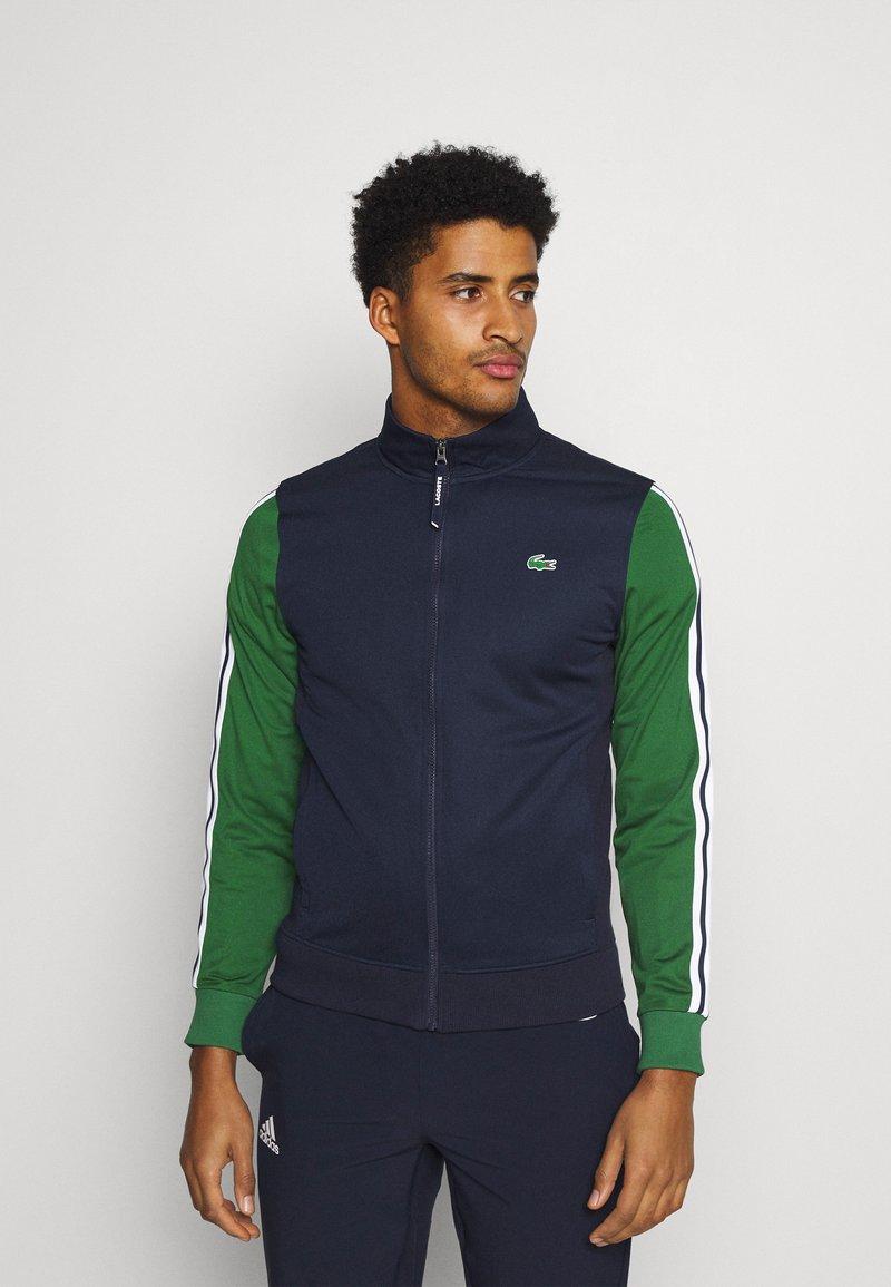 Lacoste Sport - TENNIS JACKET - Veste de survêtement - navy blue/green