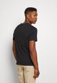 Nike Sportswear - PREHEAT - Triko spotiskem - black - 2