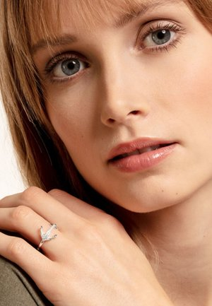 Ring - silvery/white
