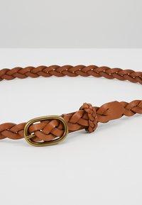 Polo Ralph Lauren - SMOOTH VACHETTA SKINNY BRAID - Pletený pásek - tan - 4