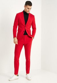 Lindbergh - Kostym - red - 1