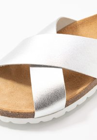 ONLY SHOES - ONLMADISON SLIP ON - Slippers - silver - 2