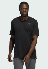 adidas Performance - CITY ELEVATED T-SHIRT - Basic T-shirt - black - 0