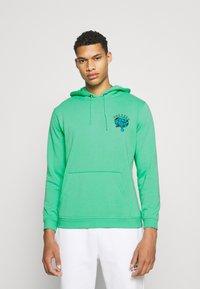 Santa Cruz - UNISEX DRESSEN PUP DOT HOOD - Sweatshirt - jade green - 2