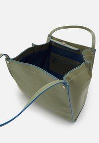 HVISK - BOAT SOFT - Shopper - moss green - 2
