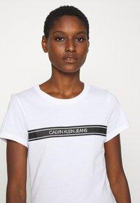 Calvin Klein Jeans - STRIPE SLIM TEE - Print T-shirt - bright white - 3