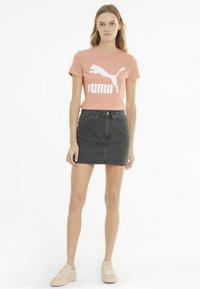 Puma - Print T-shirt - apricot blush - 1