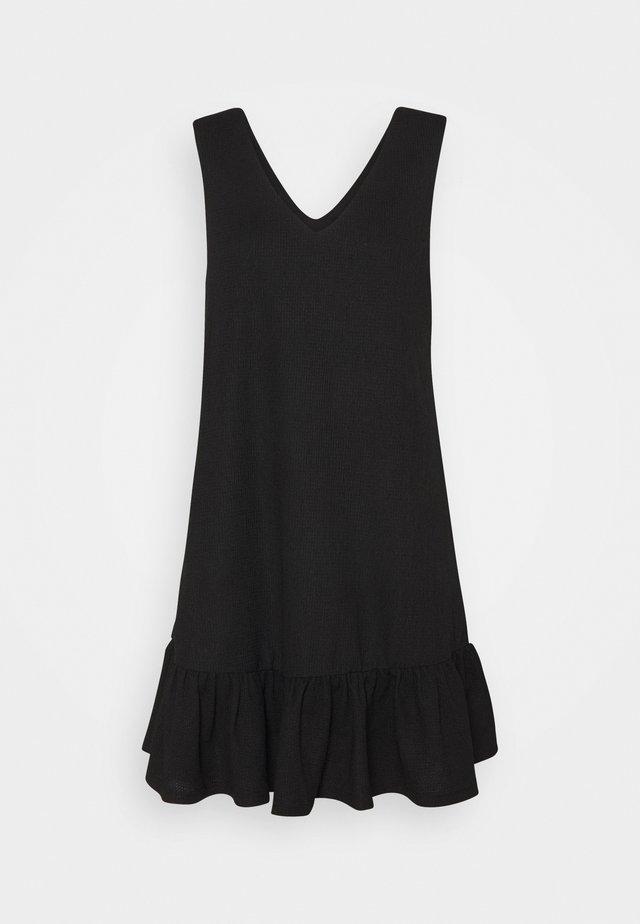 PCTABITHA DRESS - Sukienka letnia - black