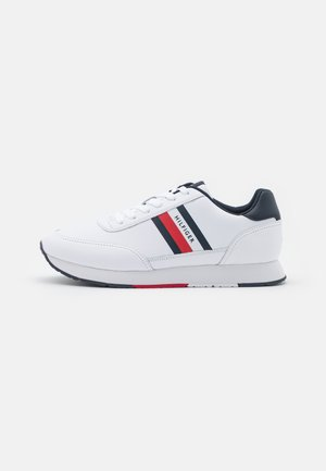 ESSENTIAL RUNNER STRIPES  - Sneakers - white