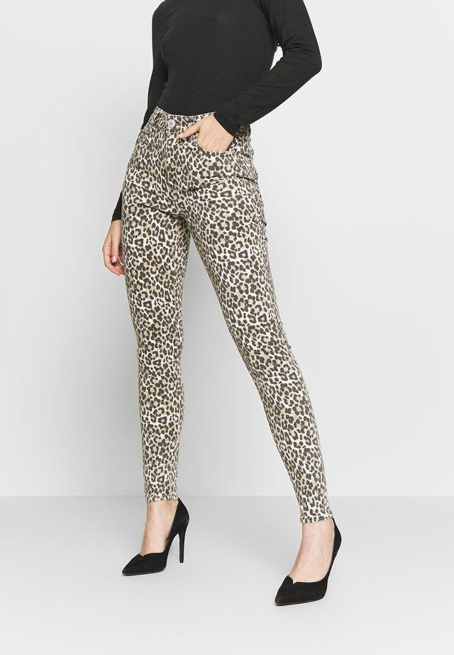 HIGH RISE JEGGING - Pantalones - beige