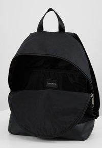 Calvin Klein Jeans - MONOGRAM - Ryggsekk - black - 4