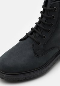 DECHASE - GUZO UNISEX - Lace-up ankle boots - black - 5