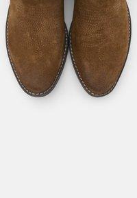 Coolway - JULES - Cowboy/biker ankle boot - brown - 5
