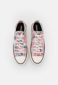 Converse - CHUCK TAYLOR ALL STAR PLATFORM - Zapatillas - egret/terracotta pink/black - 5
