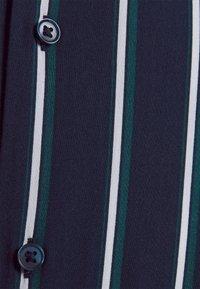 Jack & Jones PREMIUM - JPRBLASTRIPE RESORT SHIRT - Shirt - navy blazer - 5